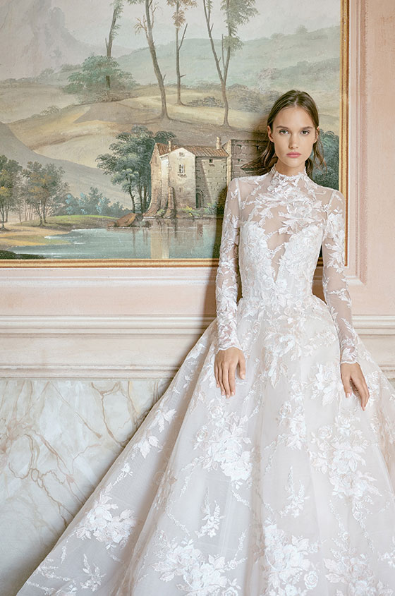 Monique Lhuillier wedding dresses romantic château chateau traditional